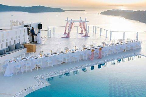 """Άποψη του ξενοδοχείου """"Rocabella Santorini"""" στο Ημεροβίγλι"""