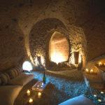 Σπηλιά με jacuzzi